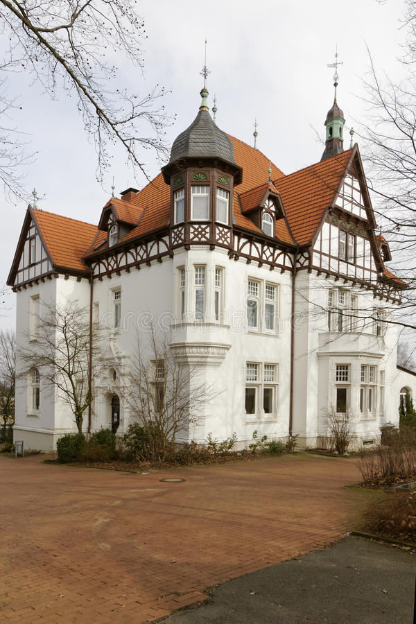 Η βίλα Stahmer, που χτίζεται το 1900 στο ύφος μισό-εφοδιασμού με ξύλα χρησιμεύει πόλη Georgsmarienhuette ως ένα μουσείο σήμερα, χ στοκ φωτογραφίες