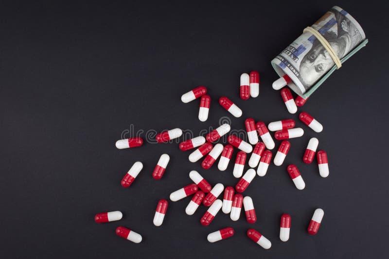 Η βιομηχανία φαρμάκων παίρνει υψηλή στα παχιά κέρδη στοκ εικόνα