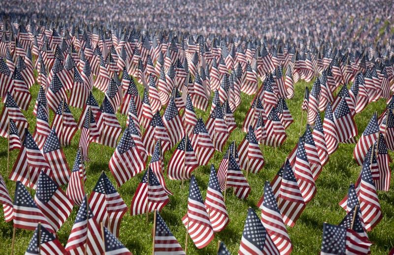 η Βοστώνη πεσμένος σημαιοστολίζει τη Μασαχουσέτη στοκ εικόνα