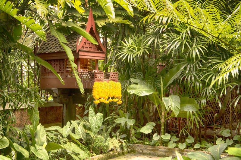 Η βουδιστική λάρνακα σπιτιών στοκ εικόνες