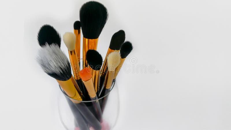 Η βούρτσα σύνθεσης, σύνθεση, χειλική βούρτσα, προϊόν ομορφιάς, κοκκινίζει βούρτσα στοκ φωτογραφία