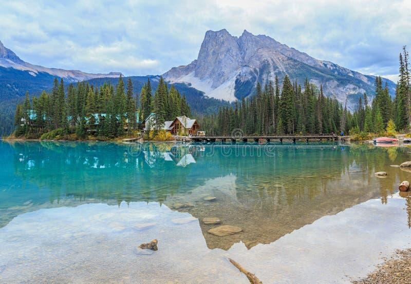 η βρετανική σμαραγδένια λίμνη του Καναδά Κολούμπια εντόπισε το εθνικό yoho πάρκων στοκ φωτογραφίες με δικαίωμα ελεύθερης χρήσης