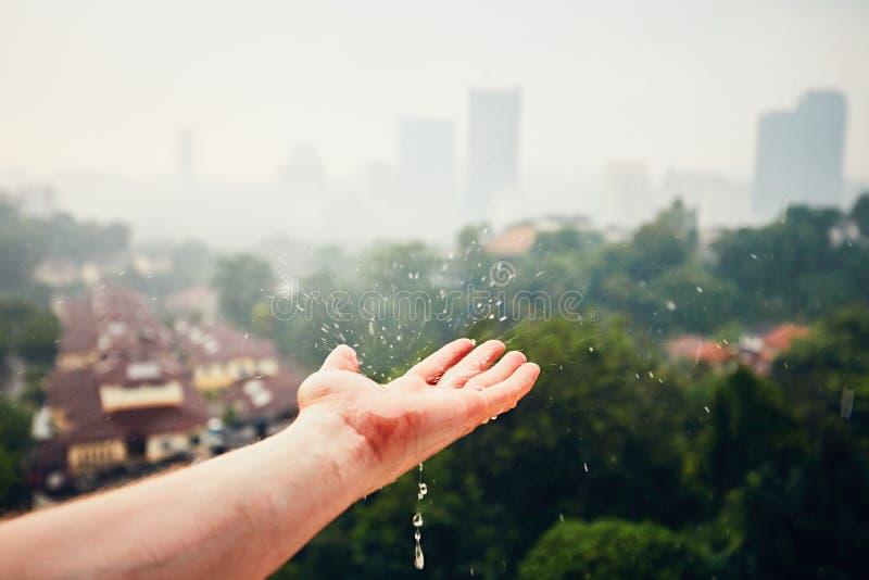 η βροχή Σύδνεϋ φωτογραφιών πόλεων της Αυστραλίας nsw πήρε στοκ εικόνα με δικαίωμα ελεύθερης χρήσης