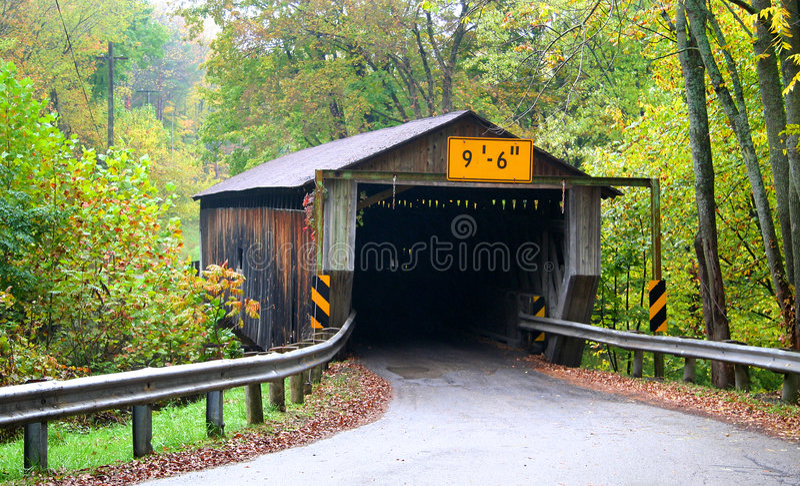η γέφυρα κάλυψε ιστορικό στοκ φωτογραφίες με δικαίωμα ελεύθερης χρήσης