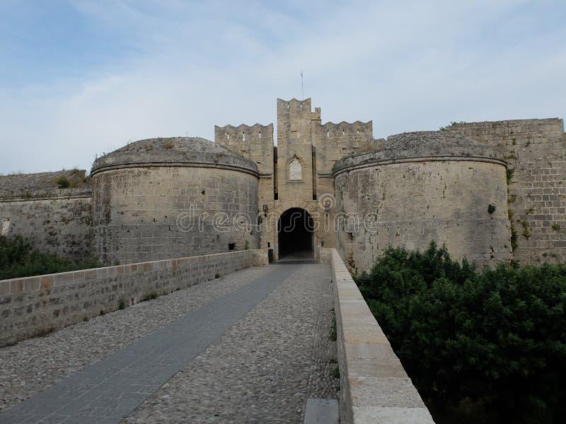 Η γέφυρα και οι πύλες του φρουρίου στοκ εικόνες
