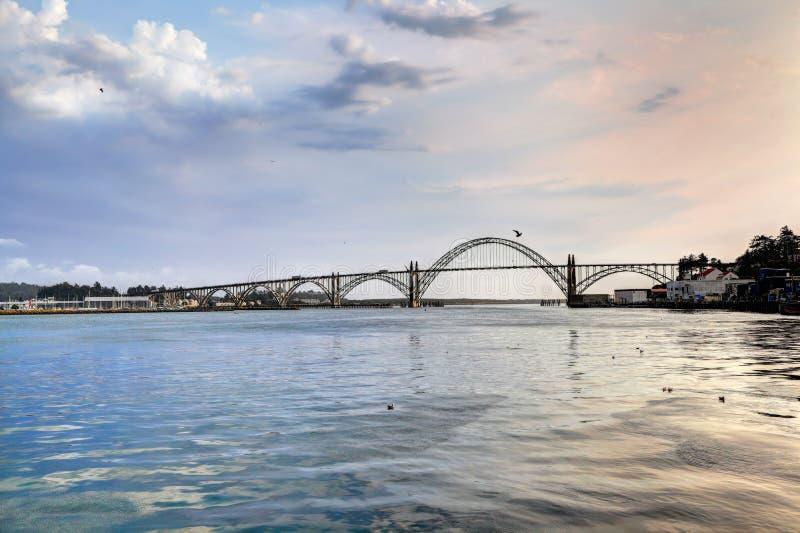 Η γέφυρα κόλπων Yaquina, Όρεγκον στοκ εικόνες