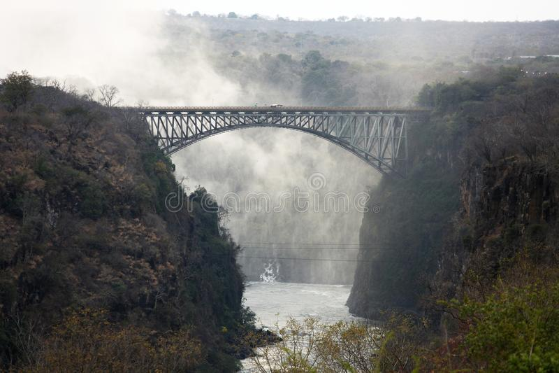 Η γέφυρα πέρα από τον ποταμό Βικτώρια Ζαμβέζη πέφτει στοκ εικόνες με δικαίωμα ελεύθερης χρήσης