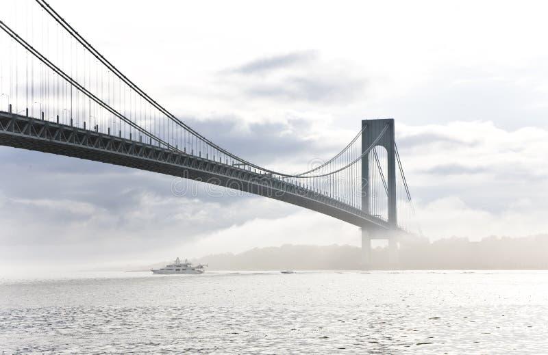 η γέφυρα στενεύει το verrazano στοκ εικόνες