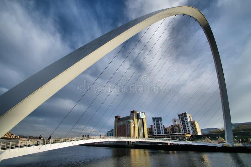 Η γέφυρα χιλιετίας Gateshead ματιών κλεισίματος του ματιού στοκ εικόνες