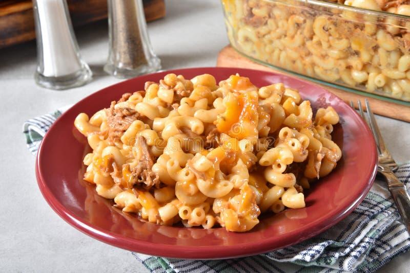 Η γαστρονομική MAC και τυρί με το βόειο κρέας στοκ εικόνα