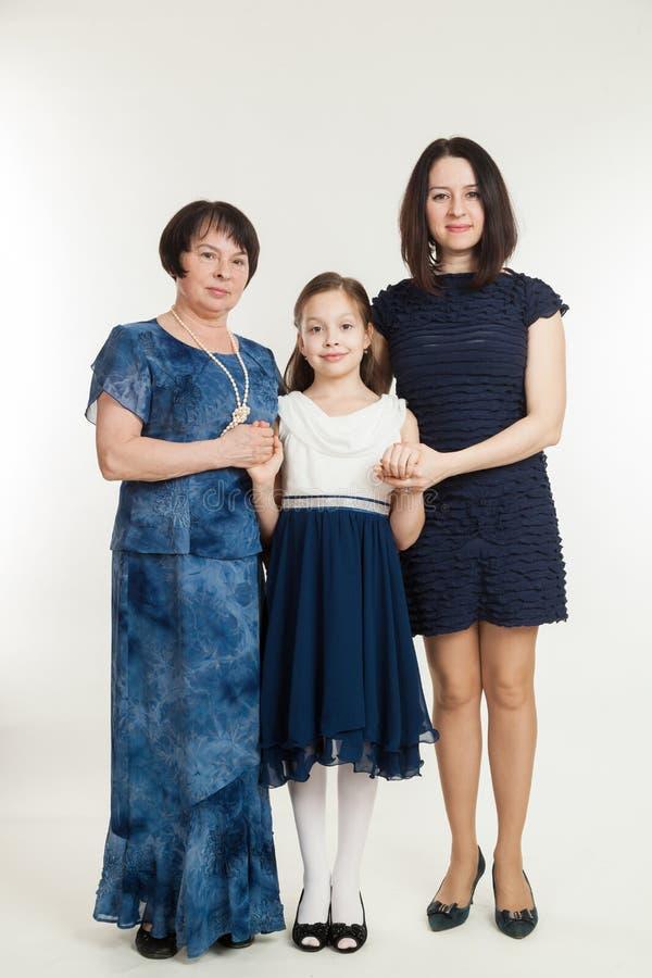 Η γιαγιά, μητέρα και η εγγονή στοκ εικόνα