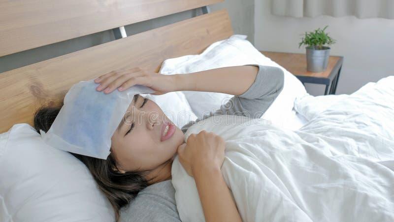 Η γυναίκα αρρωσταίνει στοκ εικόνα με δικαίωμα ελεύθερης χρήσης