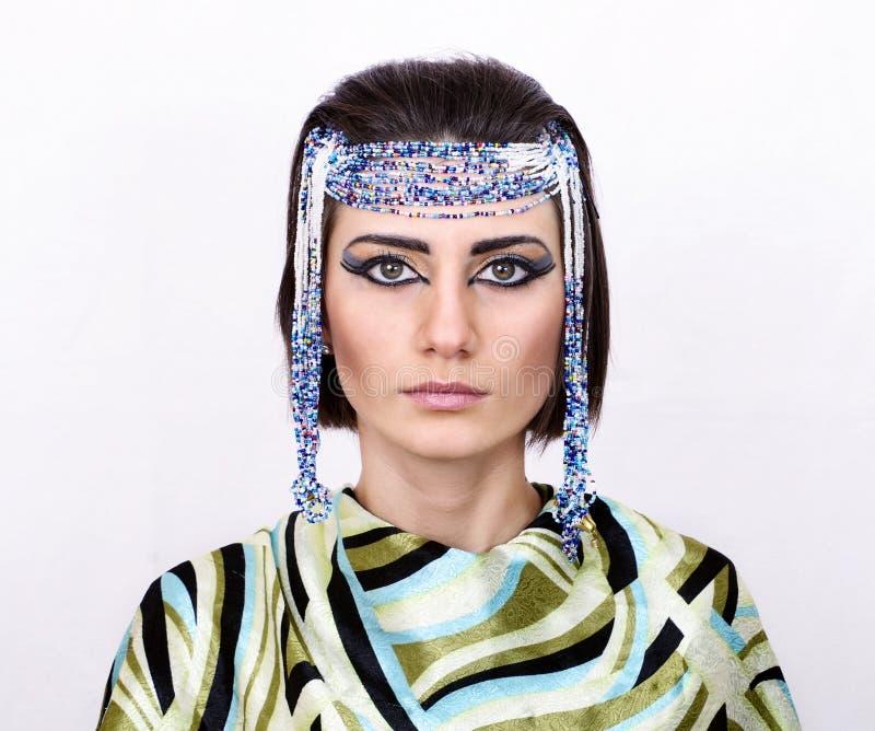 Η γυναίκα με Αιγύπτιο κοιτάζει στοκ εικόνα με δικαίωμα ελεύθερης χρήσης