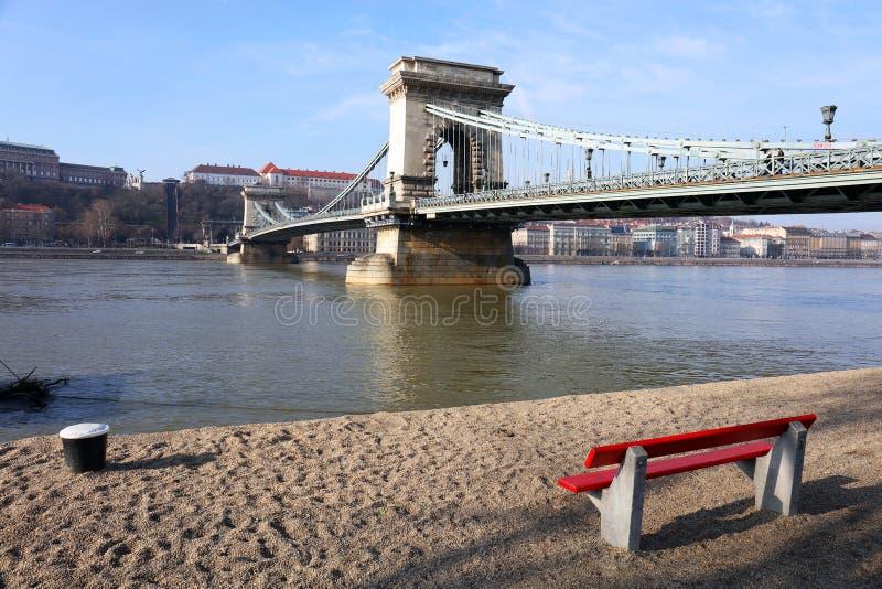 Η διάσημη γέφυρα αλυσίδων πέρα από τον ποταμό Δούναβη Το Buda Castle είναι στο υπόβαθρο, Βουδαπέστη, Ουγγαρία, Ευρώπη στοκ εικόνες