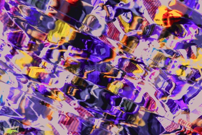 Η διαστρεβλωμένη εικόνα με την παραμόρφωση σε ποικίλους καθρέφτες, αφαιρεί το φωτεινό υπόβαθρο για τα διαφορετικά θέματα στοκ εικόνα