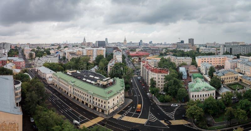 Η διατομή Spartakovskaya, των οδών Novoryazanskaya και της μετάβασης Elokhovsky στοκ φωτογραφία με δικαίωμα ελεύθερης χρήσης