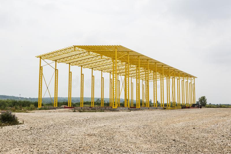 Η δομή πλαισίων χάλυβα είναι κάτω από την κατασκευή στοκ εικόνα με δικαίωμα ελεύθερης χρήσης