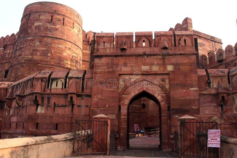 Η είσοδος γύρω από το δυνατό κόκκινο οχυρό Agra, η αδελφή στοκ φωτογραφία με δικαίωμα ελεύθερης χρήσης