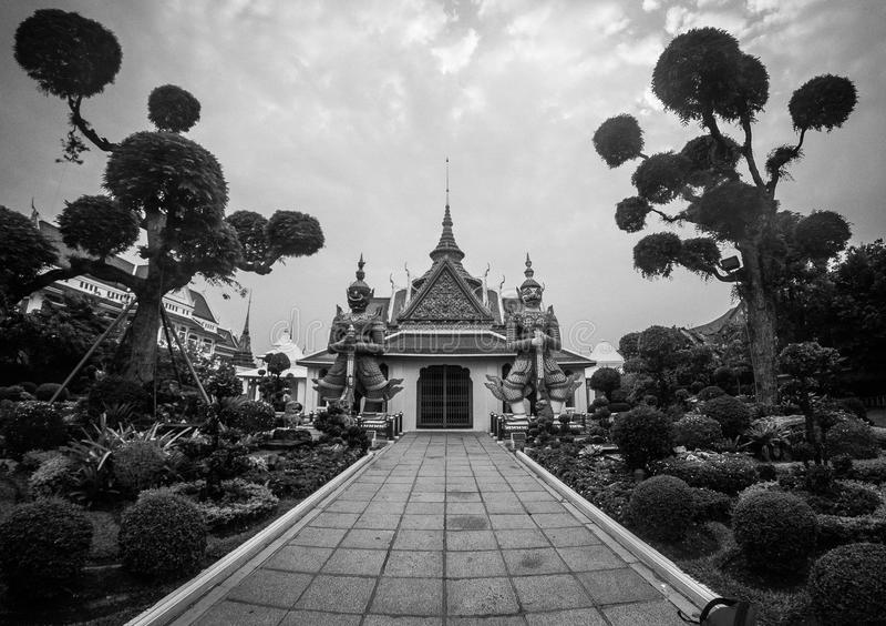 Η είσοδος της αίθουσας χειροτονίας στο Wat Arun, Μπανγκόκ, Ταϊλάνδη στοκ εικόνες με δικαίωμα ελεύθερης χρήσης
