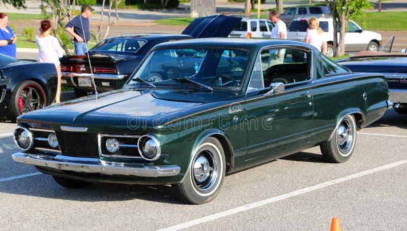 η δεκαετία του '60 πρότυπο Πλύμουθ Barracuda γρήγορα πίσω στοκ εικόνα