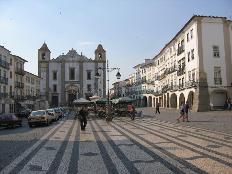 Η εκκλησία του ST Anthony μειώνει σε ένα plaza της Evora στην Πορτογαλία στοκ εικόνες