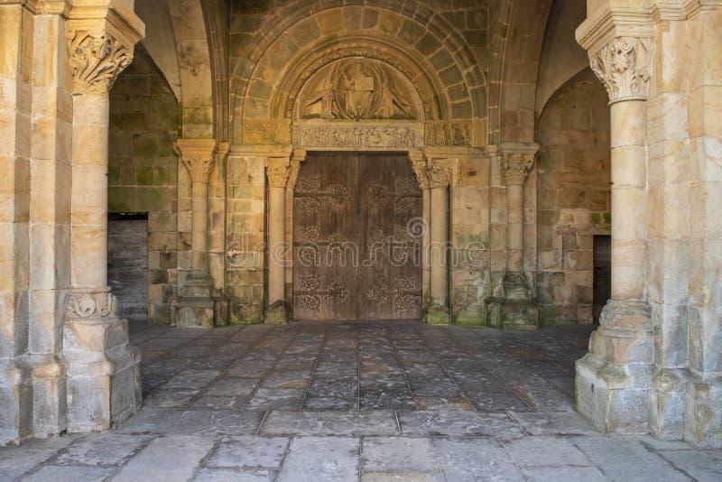 Η εκκλησία perrecy-les-σφυρηλατεί μέσα στη Γαλλία στοκ εικόνα με δικαίωμα ελεύθερης χρήσης