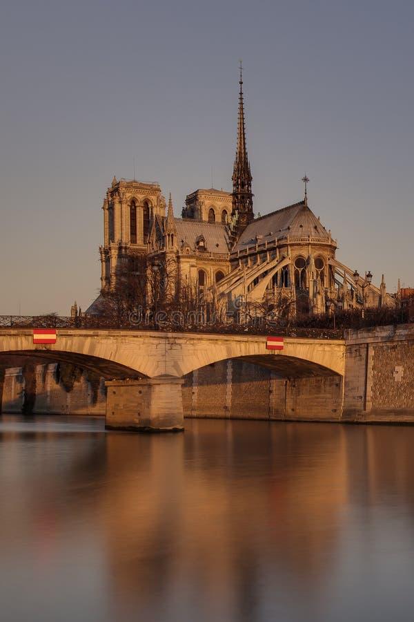 Η εκκλησία «Παναγία των Παρισίων» στοκ εικόνα με δικαίωμα ελεύθερης χρήσης