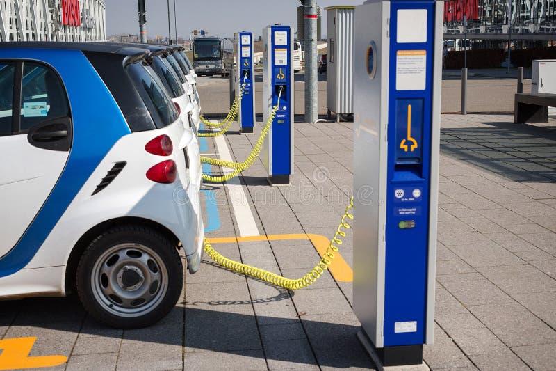 Ηλεκτρική δαπάνη αυτοκινήτων στοκ φωτογραφία