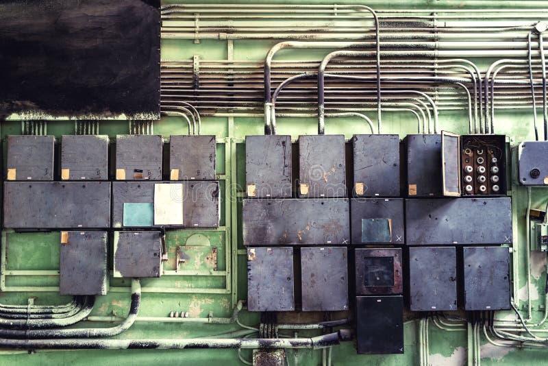 Ηλεκτρική επιτροπή με τις θρυαλλίδες και ανάδοχοι στο δωμάτιο ελεγκτών στοκ εικόνες με δικαίωμα ελεύθερης χρήσης