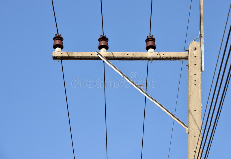 Ηλεκτρικός μονωτής στη θέση ηλεκτρικής ενέργειας στοκ εικόνα
