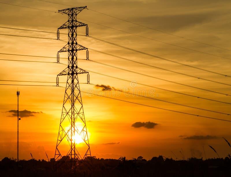 Ηλεκτρικός πύργος μετάδοσης στοκ εικόνες