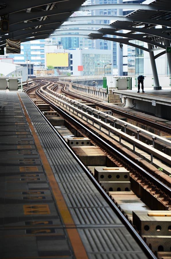 Ηλεκτρικό τραίνο σιδηροδρόμων στη Μπανγκόκ Ταϊλάνδη στοκ εικόνα με δικαίωμα ελεύθερης χρήσης