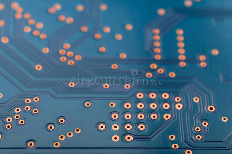Ηλεκτρονική γεωμετρίας, κινηματογράφηση σε πρώτο πλάνο του μπλε πίνακα κυκλωμάτων στοκ εικόνα