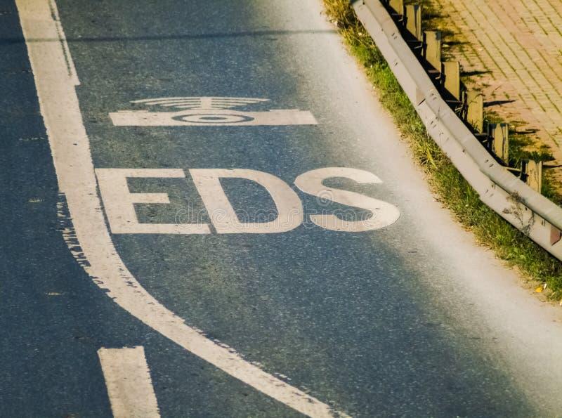 Ηλεκτρονικό ελέγχοντας οδικό σημάδι συστημάτων EDS στην εθνική οδό στοκ φωτογραφίες με δικαίωμα ελεύθερης χρήσης