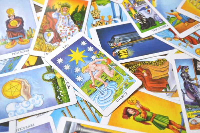Η ελπίδα καρτών Tarot αστεριών, ευτυχία, ευκαιρίες, αισιοδοξία, ανανέωση, πνευματικότητα διανυσματική απεικόνιση
