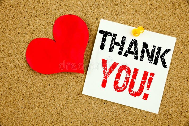 Η εννοιολογική παρουσίαση έμπνευσης τίτλων κειμένων γραψίματος χεριών σας ευχαριστεί έννοια για το δόσιμο της ευγνωμοσύνης εκτιμά στοκ εικόνες