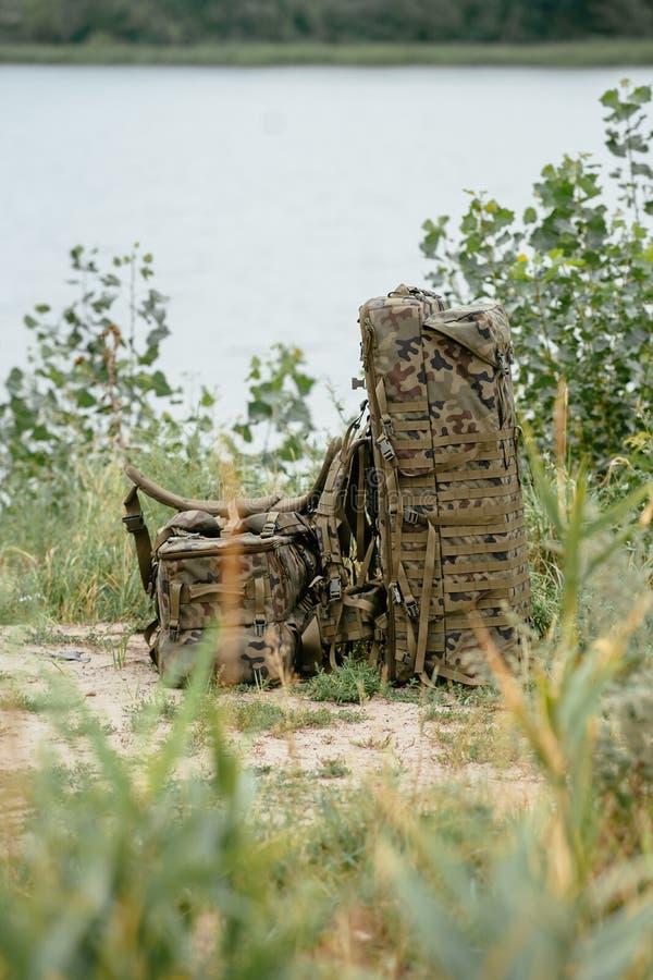 Η εξάρτηση στρατού ενός τηλεκατευθυνόμενου εναέριου οχήματος Σακίδιο πλάτης για τους κινητούς κηφήνες στρατού μεταφοράς στοκ εικόνες