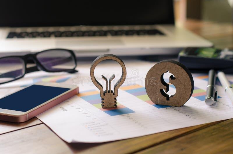 Η επιχείρηση πρέπει να έχει τις δημιουργικές ιδέες για την πραγματοποίηση ενός κέρδους για το Bu στοκ εικόνες