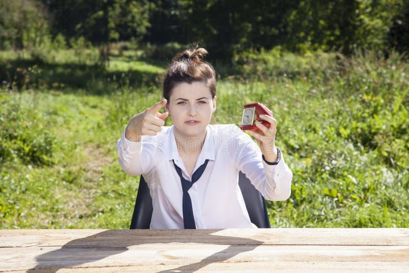 Η επιχειρηματίας προτείνει ότι ο πρόσφατος στοκ φωτογραφίες