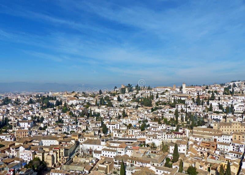 Η λευκιά πόλη Albayzin στη Γρανάδα, Ισπανία στοκ εικόνες
