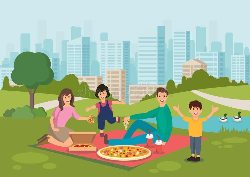Η ευτυχής οικογένεια κινούμενων σχεδίων τρώει την πίτσα στο πικ-νίκ στο πάρκο ελεύθερη απεικόνιση δικαιώματος