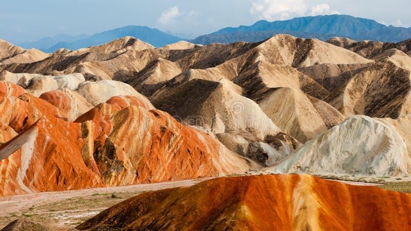 Η ζωηρόχρωμη landform Danxia ομάδα στοκ φωτογραφίες