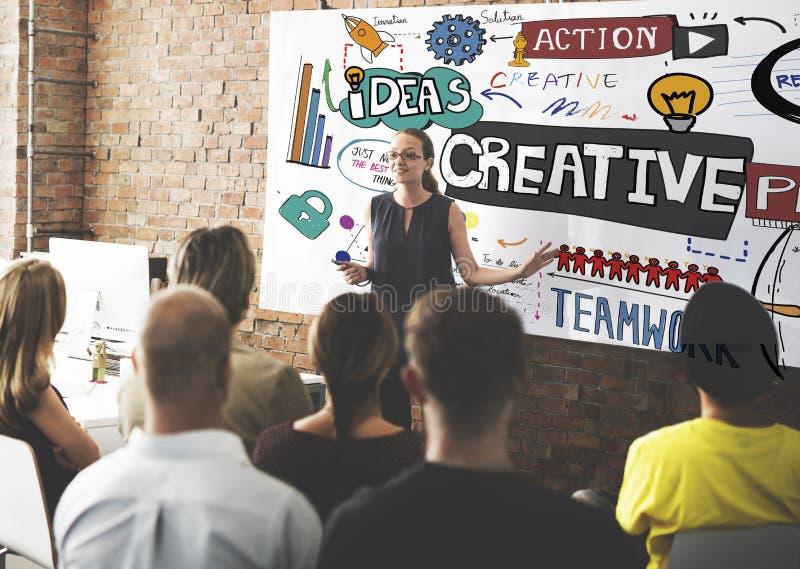 Η δημιουργική καινοτομία σχεδίου εμπνέει την έννοια στοκ φωτογραφίες