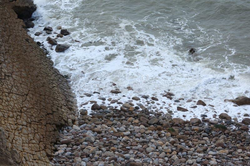Η θάλασσα στο S Martinho κάνει το Πόρτο - την Πορτογαλία στοκ φωτογραφία με δικαίωμα ελεύθερης χρήσης