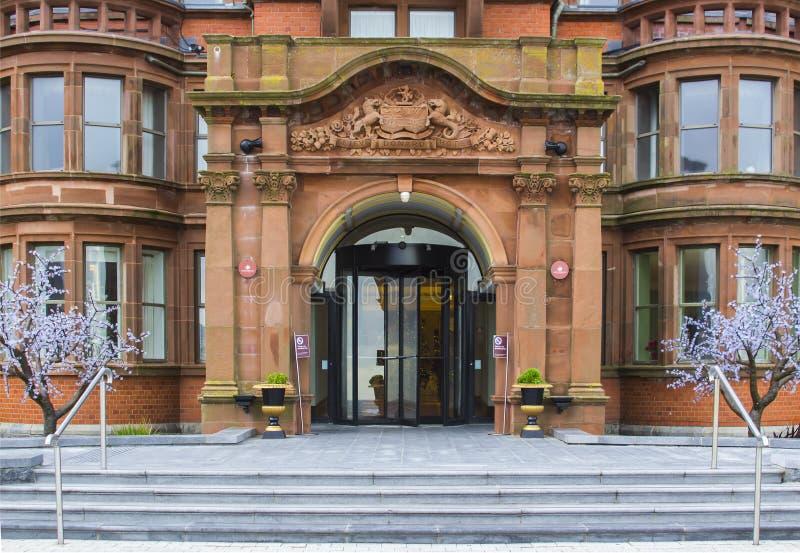 Η θαυμάσια είσοδος στο πολυτελές ξενοδοχείο Slieve Donard στοκ φωτογραφίες με δικαίωμα ελεύθερης χρήσης