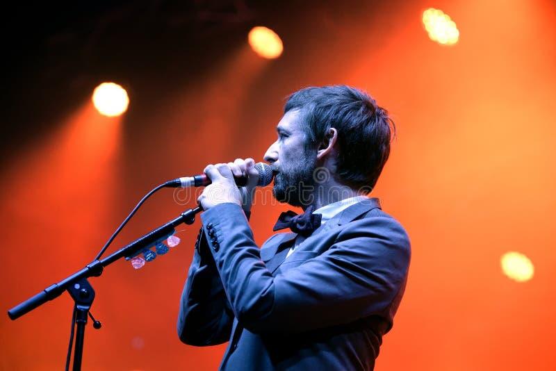 Η θεία ζώνη κωμωδίας αποδίδει στη συναυλία στο φεστιβάλ Vida στοκ φωτογραφίες