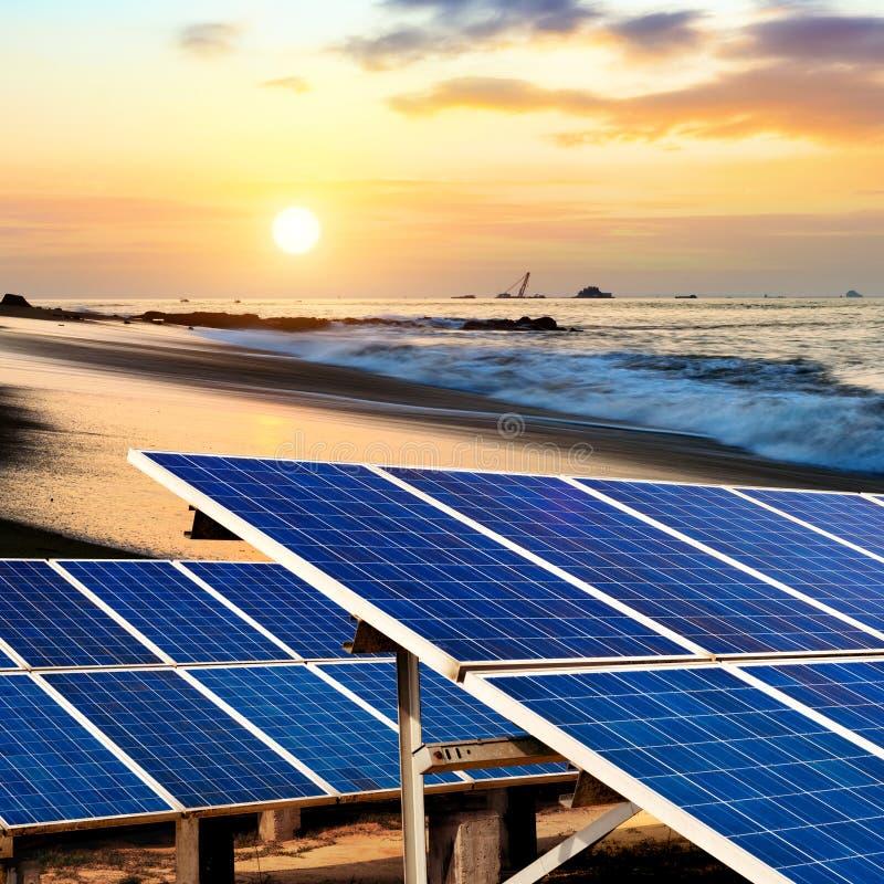 Ηλιακά πλαίσια στην παραλία στοκ εικόνα με δικαίωμα ελεύθερης χρήσης