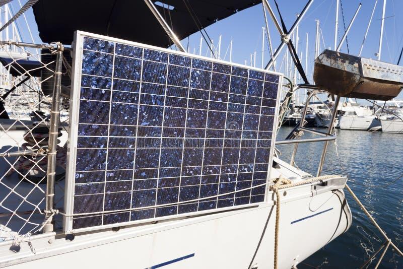 Ηλιακό πλαίσιο σε ένα yatch στοκ εικόνες