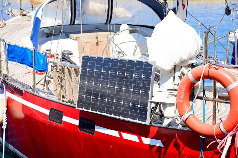 Ηλιακό πλαίσιο στο γιοτ, Chania στοκ φωτογραφίες