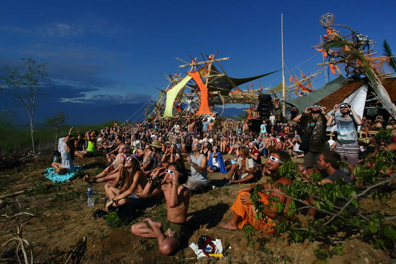 Ηλιακό φεστιβάλ έκλειψης στοκ εικόνα